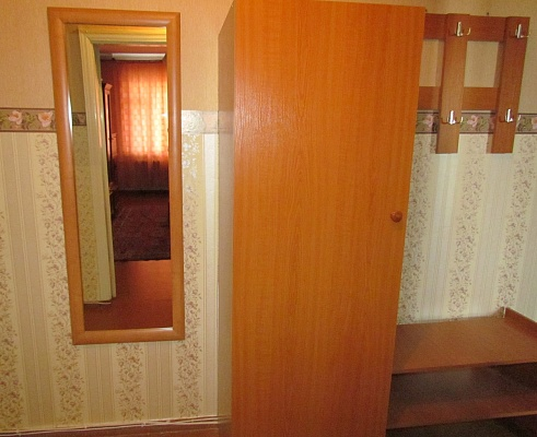 2-комнатная квартира посуточно в Ровно. ул. Пухова, 17. Фото 1