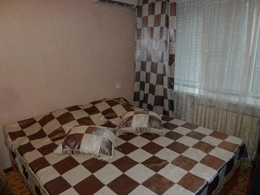 1-комнатная квартира посуточно в Макеевке. ул. Московская, 1. Фото 1