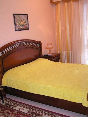 3-комнатная квартира посуточно в Партените. ул. Парковая, 3. Фото 1