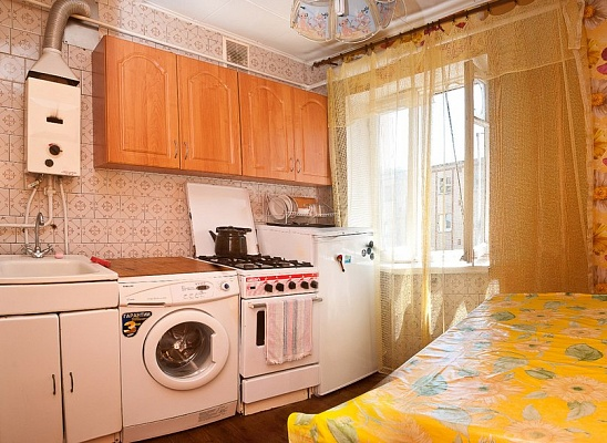 2-комнатная квартира посуточно в Одессе. Приморский район, ул. Черняховского, 18. Фото 1