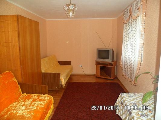 Дом  посуточно в Бердянске. Красная, 55. Фото 1