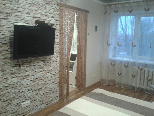 1-комнатная квартира посуточно в Житомире. ул. Черняховского, 16. Фото 1