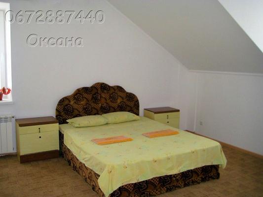 1-комнатная квартира посуточно в Каменце-Подольском. ул. Троицкая, 1. Фото 1