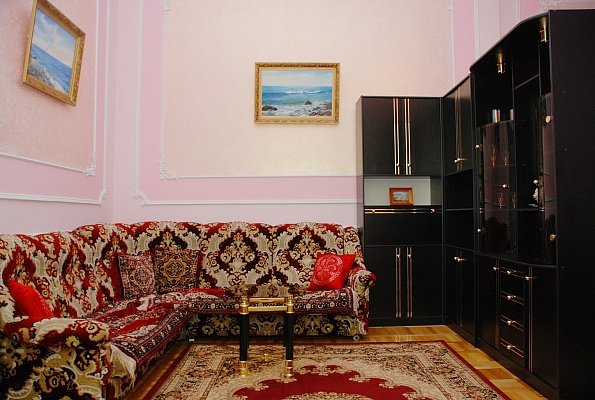 1-комнатная квартира посуточно в Киеве. Печерский район, ул. Крещатик, 17. Фото 1