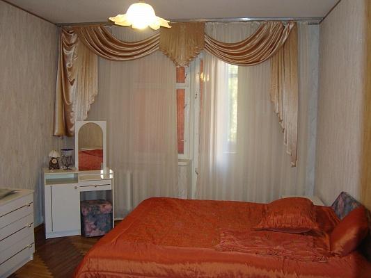 3-комнатная квартира посуточно в Броварах. ул. Независимости, 8. Фото 1