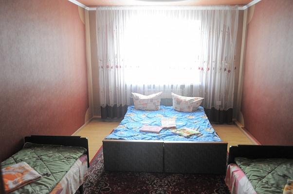 2-комнатная квартира посуточно в Каменце-Подольском. ул. Великанова, 28. Фото 1