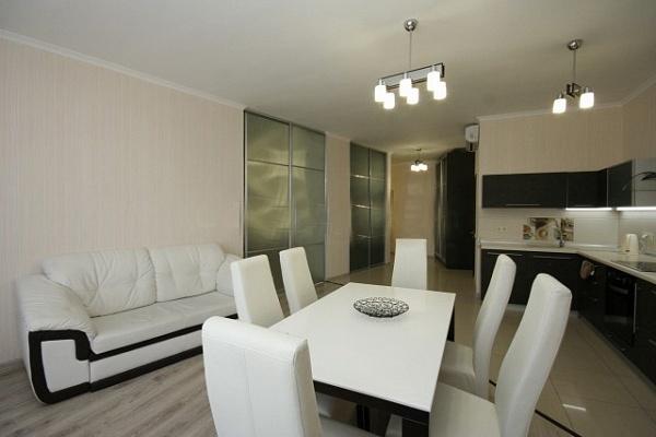 3-комнатная квартира посуточно в Одессе. Приморский район, ул. Генуэзская, 5. Фото 1
