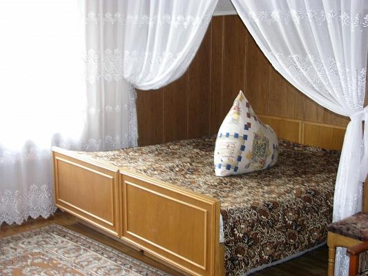 Дом  посуточно в Полтаве. Киевский район, Покровская, 66. Фото 1