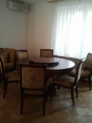 2-комнатная квартира посуточно в Киеве. Шевченковский район, Тургеневськая, 52. Фото 1