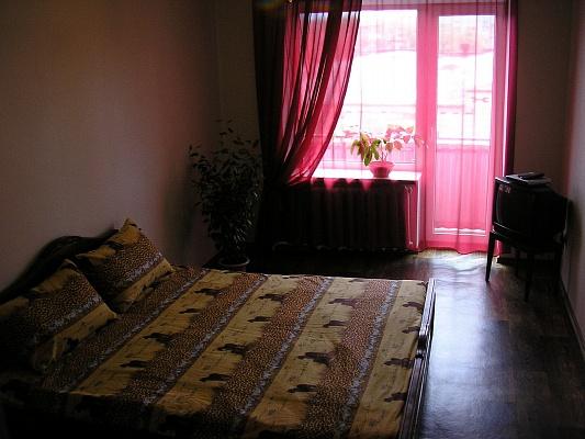 1-комнатная квартира посуточно в Сумах. Заречный район, Курская, 105. Фото 1