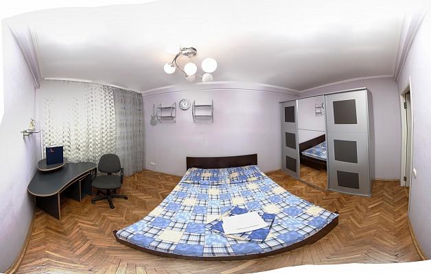 2-комнатная квартира посуточно в Киеве. Голосеевский район, ул. Жилянская, 69/71. Фото 1