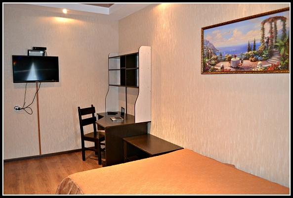 1-комнатная квартира посуточно в Нежине. пл. Гоголя, 1. Фото 1