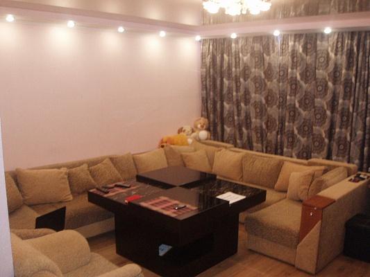 2-комнатная квартира посуточно в Житомире. ул. Киевская, 110. Фото 1