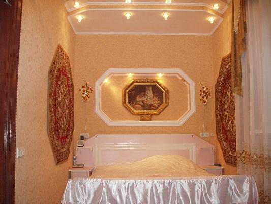 2-комнатная квартира посуточно в Житомире. ул. Киевская, 28. Фото 1