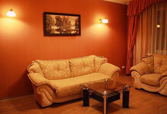 2-комнатная квартира посуточно в Донецке. Киевский район, пр-т Панфилова, 19. Фото 1