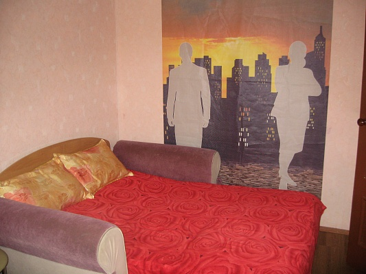 1-комнатная квартира посуточно в Кременчуге. ул. Ленина, 34. Фото 1