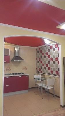 1-комнатная квартира посуточно в Донецке. Ворошиловский район, ул. Ильича , 9. Фото 1