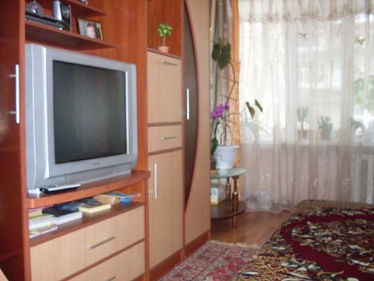 2-комнатная квартира посуточно в Бердянске. ул. Мазина, 43. Фото 1