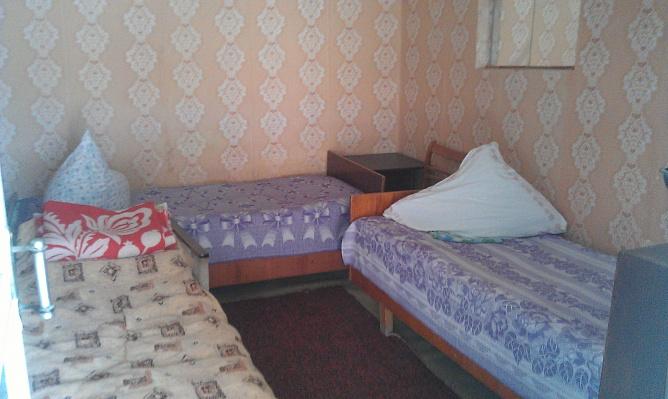 Дом  посуточно в Евпатории. ул.Гайдара, 57. Фото 1