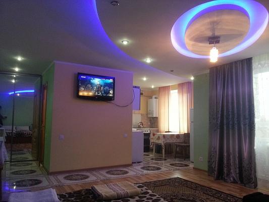1-комнатная квартира посуточно в Трускавце. ул. Ивана Мазепы, 6. Фото 1