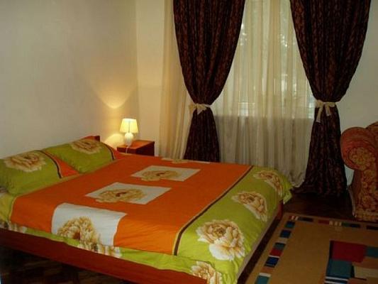 1-комнатная квартира посуточно в Мариуполе. пр-т Строителей, 97. Фото 1