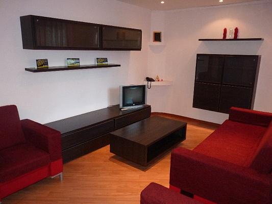 2-комнатная квартира посуточно в Черкассах. ул. Шевченко, 241. Фото 1