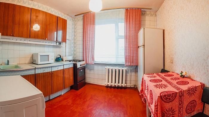 2-комнатная квартира посуточно в Черкассах. ул. Крещатик, 130. Фото 1