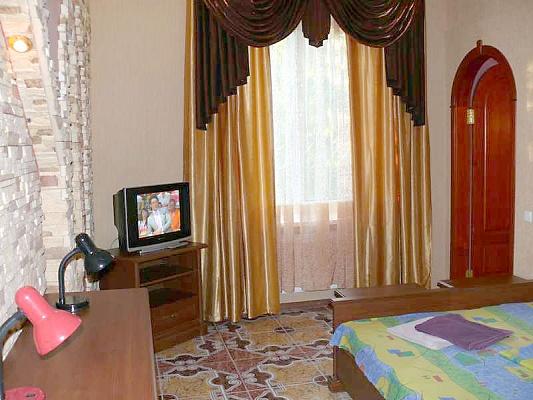 1-комнатная квартира посуточно в Херсоне. Суворовский район, пр-т Ушакова, 73. Фото 1