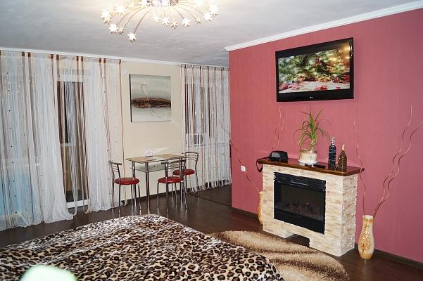 1-комнатная квартира посуточно в Мелитополе. пр-т Богдана Хмельницкого, 33. Фото 1