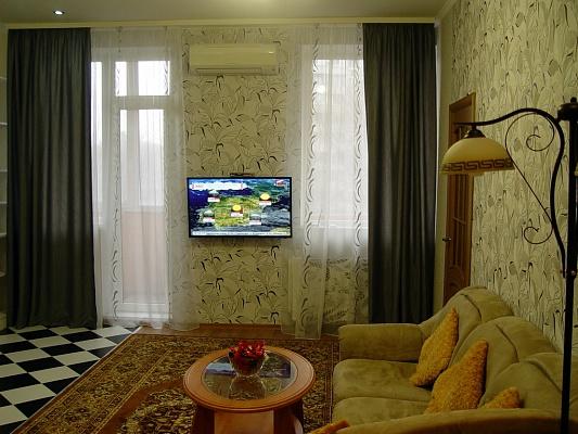 1-комнатная квартира посуточно в Харькове. Московский район, ул. Гвардейцев Широнинцев, 33. Фото 1