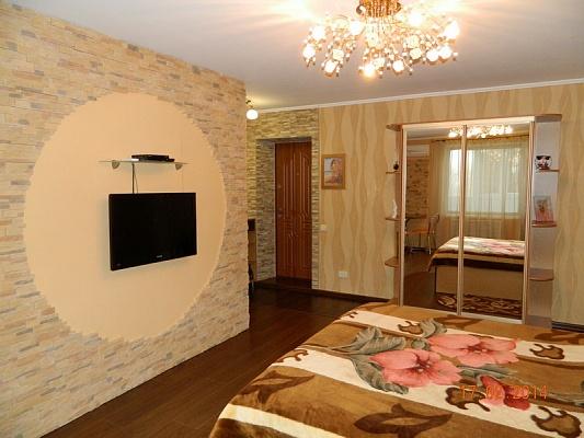 1-комнатная квартира посуточно в Мелитополе. ул. Осипенко, 90. Фото 1