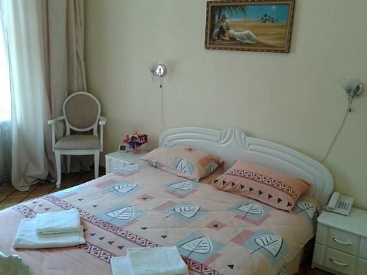 2-комнатная квартира посуточно в Одессе. Приморский район, пл. Соборная, 14. Фото 1
