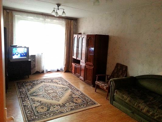 2-комнатная квартира посуточно в Ивано-Франковске. ул. Тролейбусная, 8. Фото 1