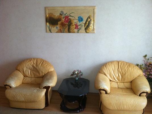 2-комнатная квартира посуточно в Одессе. Приморский район, ул. Гагарина, 8а. Фото 1