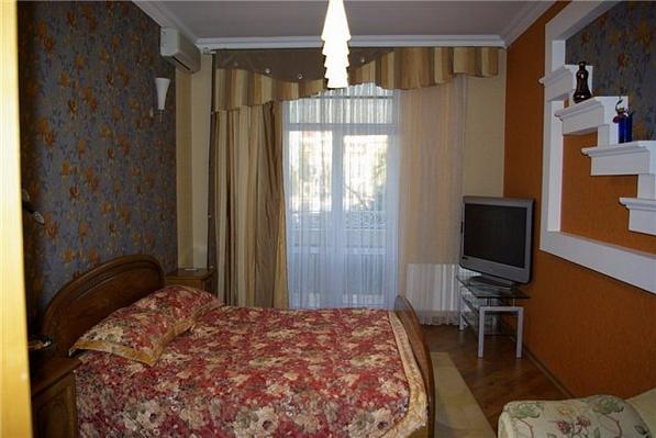 2-комнатная квартира посуточно в Одессе. Приморский район, ул. Пушкинская, 16. Фото 1