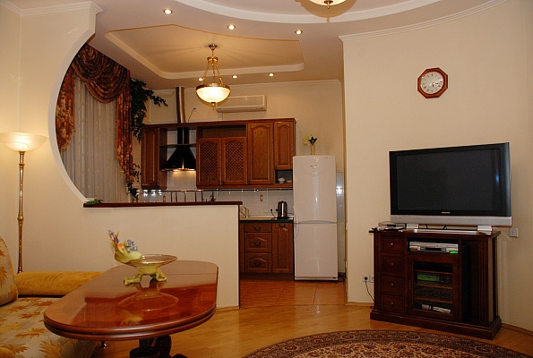3-комнатная квартира посуточно в Киеве. Шевченковский район, Артема, 74. Фото 1