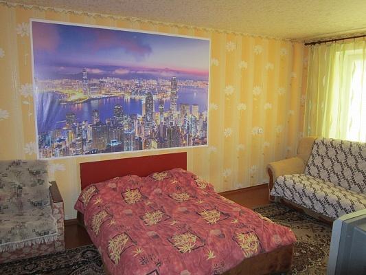 3-комнатная квартира посуточно в Прилуках. ул. Садовая, 135б. Фото 1