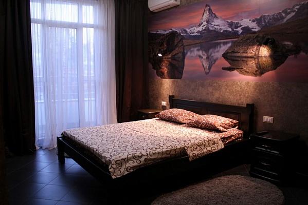 2-комнатная квартира посуточно в Одессе. Приморский район, ул. Военный спуск, 5/1. Фото 1