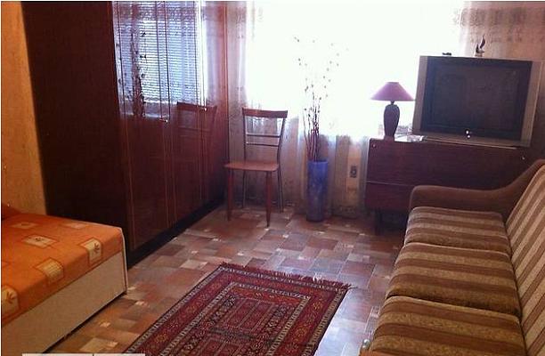 2-комнатная квартира посуточно в Очакове. ул. Торговая (Луначарского), 2. Фото 1