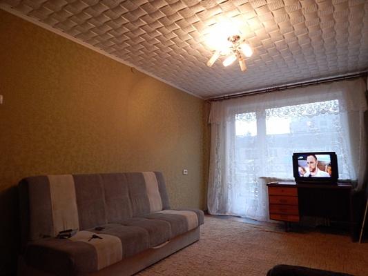 2-комнатная квартира посуточно в Алчевске. ул. Гмыри, 19а. Фото 1