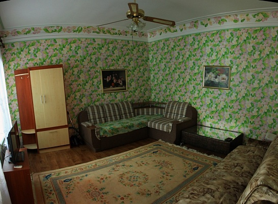 Дом  посуточно в Бердянске. ул. Ульяновых, 18. Фото 1