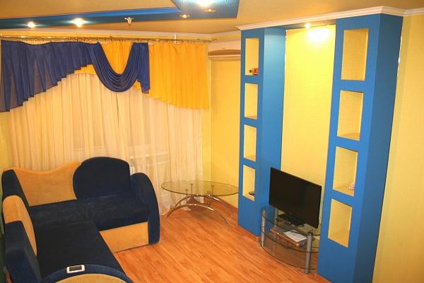1-комнатная квартира посуточно в Донецке. Ворошиловский район, ул. Челюскинцев, 142. Фото 1