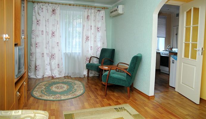 1-комнатная квартира посуточно в Донецке. Киевский район, ул. Университетская, 67. Фото 1