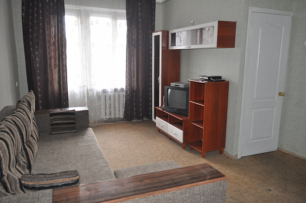 2-комнатная квартира посуточно в Киеве. Печерский район, б-р Дружбы Народов, 8. Фото 1