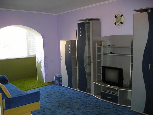 2-комнатная квартира посуточно в Умани. ул. Тыщика, 29. Фото 1