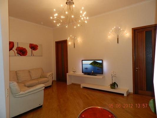 3-комнатная квартира посуточно в Одессе. Приморский район, Канатная, 75. Фото 1