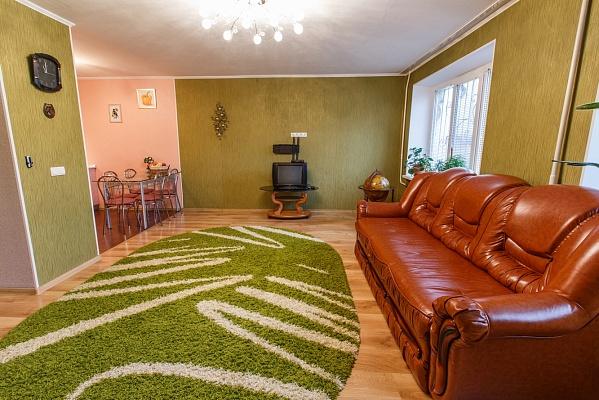 2-комнатная квартира посуточно в Каменце-Подольском. Хмельницкое шоссе, 6. Фото 1