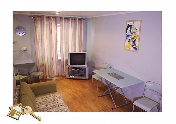 3-комнатная квартира посуточно в Львове. Лычаковский район, ул. К.Левицкого, 89. Фото 1