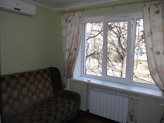 1-комнатная квартира посуточно в Запорожье. Орджоникидзевский район, ул. Победы, 117-А. Фото 1