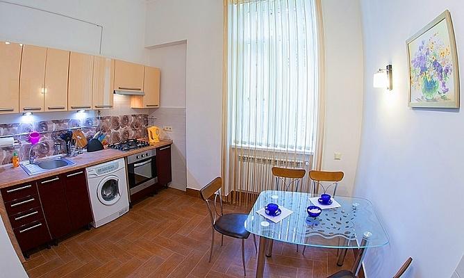 2-комнатная квартира посуточно в Львове. Лычаковский район, ул. Ивана Франка, 35. Фото 1